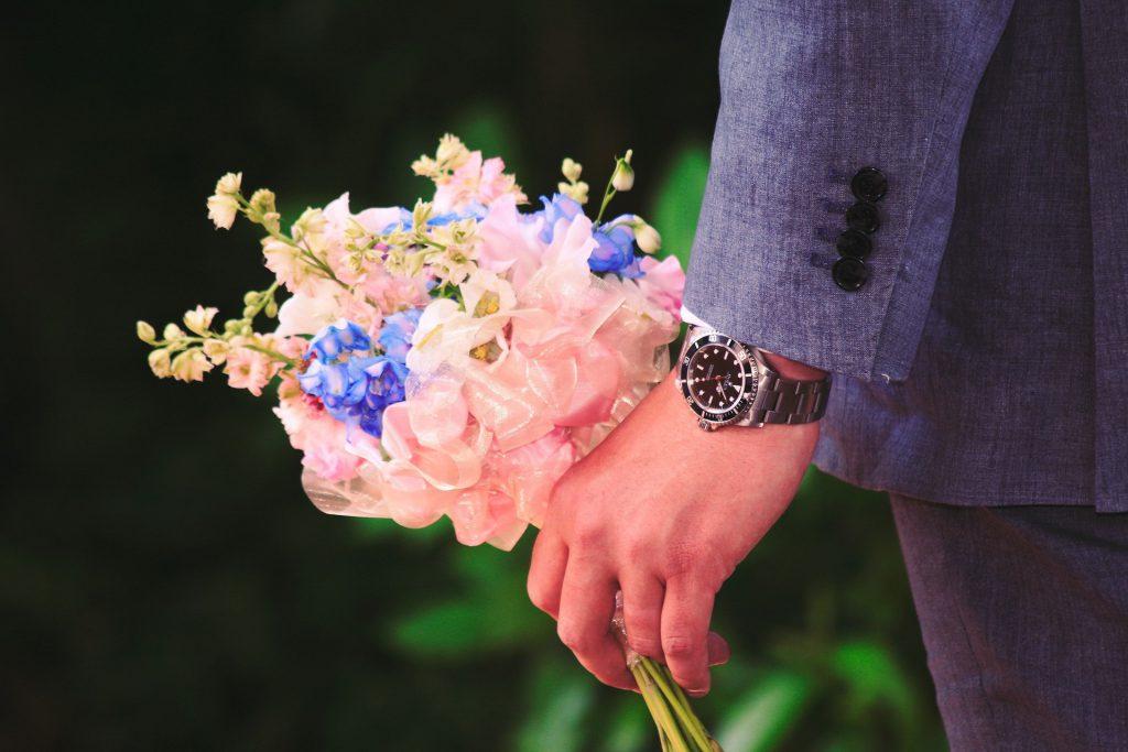 זר פרחים לחברה