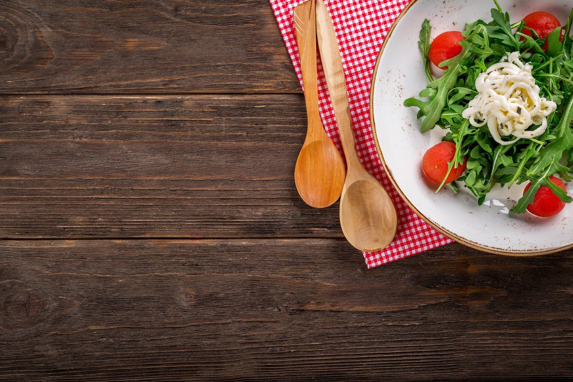 כיצד תזונה יכולה לשפר את מראה העור?