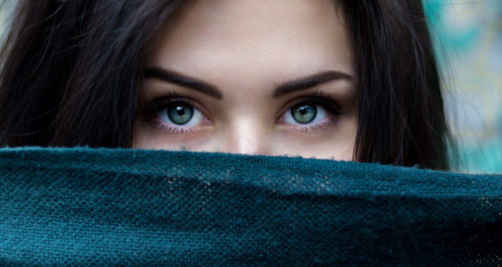 טיפולים קוסמטיים בעיניים ובעפעפיים כל מה שצריך לדעת