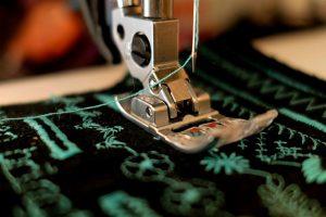 תפירת בגדים בעיצוב אישי